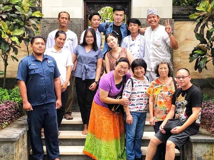 林太太一家團員照 峇里島Villa 沙努區 絕色