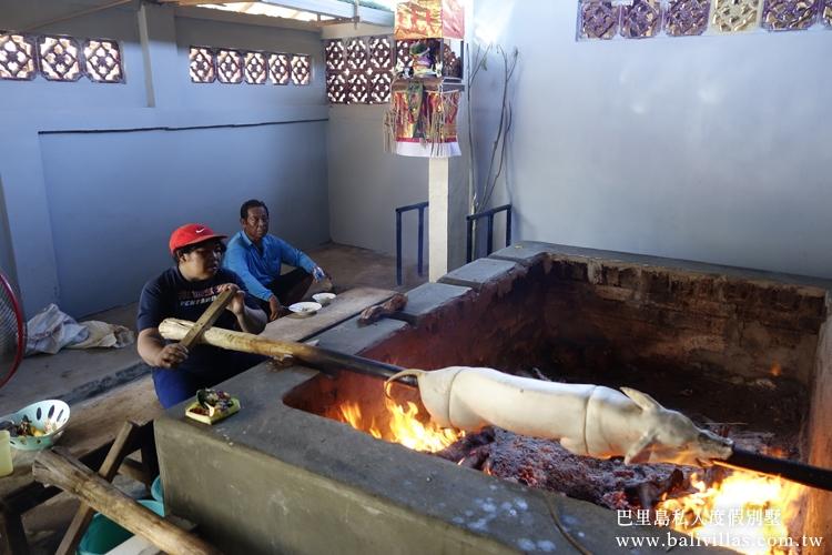 多比爾烤豬飯  饕客限定 峇里島必吃 巴里島 自由行 旅遊 巴厘島