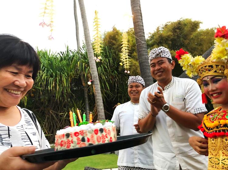 峇里島Villa 沙努區 絕色 林太太一家人慶生