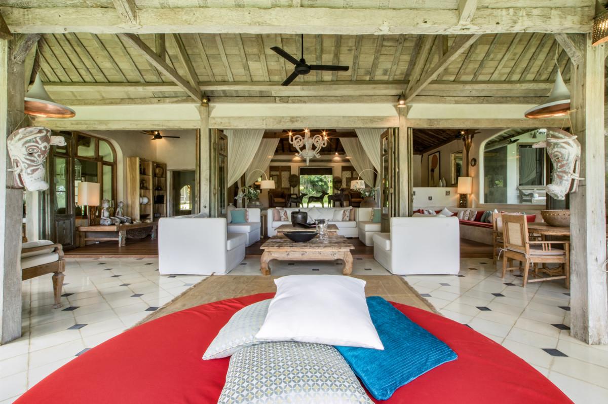 寬敞的峇里島客廳